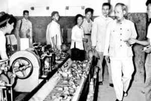 Bác Hồ với tư duy kinh tế hướng tới Việt Nam hùng cường
