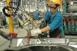 Sản xuất công nghiệp: Khó khăn do thị trường bị thu hẹp