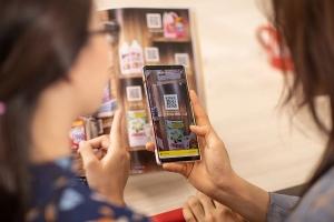 Người tiêu dùng mua sắm hàng bách hóa trực tuyến tăng mạnh