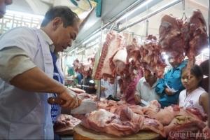 Thị trường thịt heo điều chỉnh giảm, lo ngại tăng giá dịp cuối năm