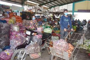 Hàng hóa thiết yếu đủ đáp ứng cho nhu cầu tiêu dùng