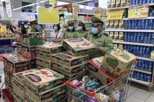 Lực lượng quản lý thị trường đồng loạt ra quân kiểm soát mặt hàng thiết yếu